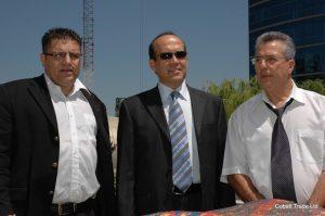 Türkiye Büyükelçi Namik Tan ve Petah Tikva Belediye başkanı Yitzhak Ohayon ve Eyal Peretz Cobalt Ticaret Genel Müdürü
